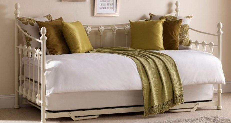versailles guest day bed and trundle